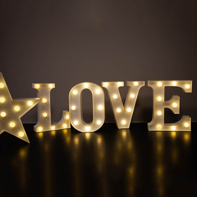 Wedding Sign 'LOVE'